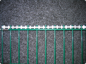 double rod grating excess wire with razor wire – barbed tape